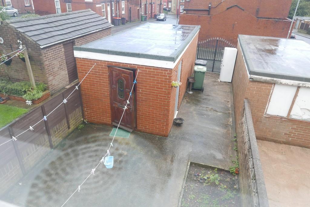 128 Town Street Armley Leeds LS12 3JG