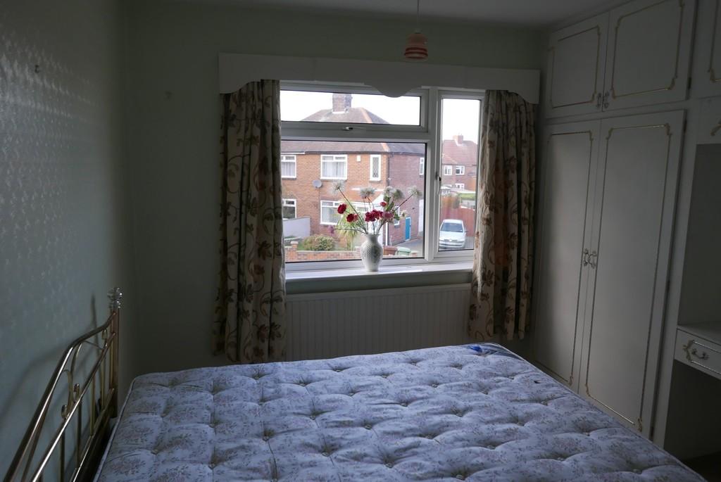 33 Gotts Park Crescent, Armley, Leeds, LS12 2RP