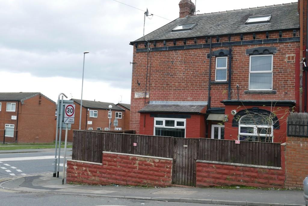 Highfield Avenue, Wortley, Leeds, LS12 4BU