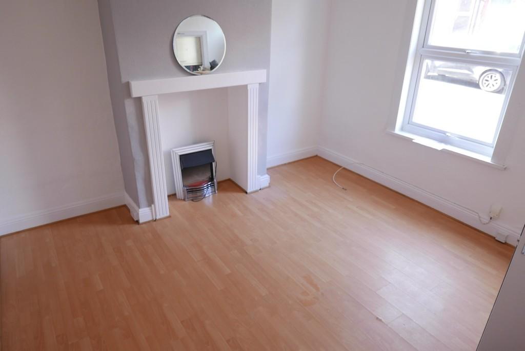 16 Edinburgh Place, Armley Leeds LS12 3RQ