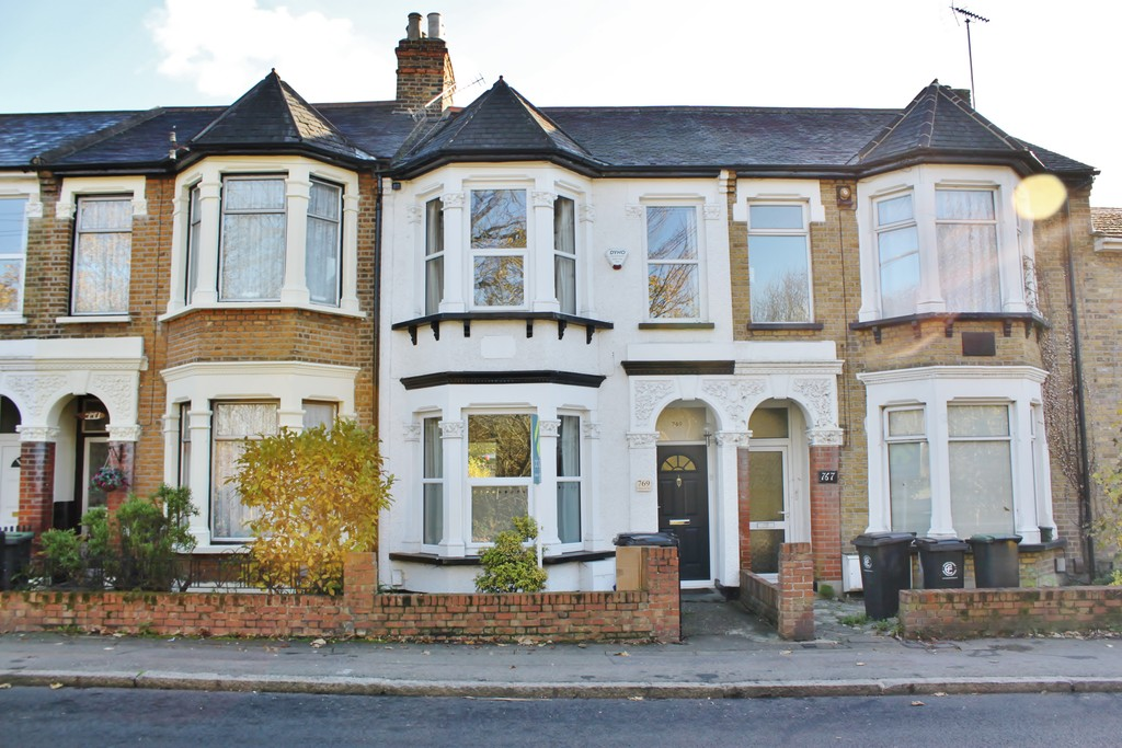 Chigwell Road, Woodford Green
