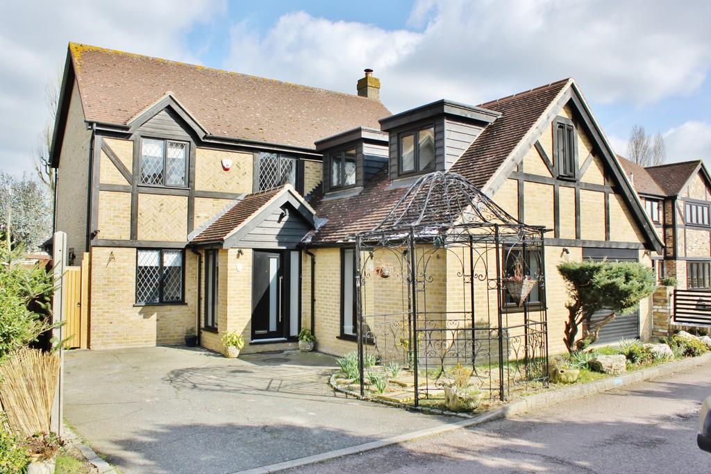 Lambourne Close, Chigwell