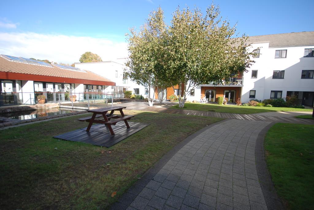 L'Hermitage Gardens, St Peter