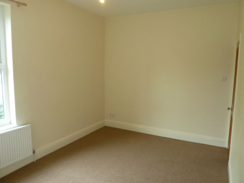 2 Bedroom End Terraced House To Rent - Image 6