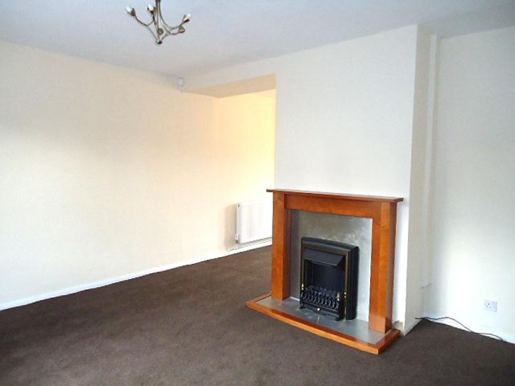 3 Bedroom Semi-detached House To Rent - Image 9