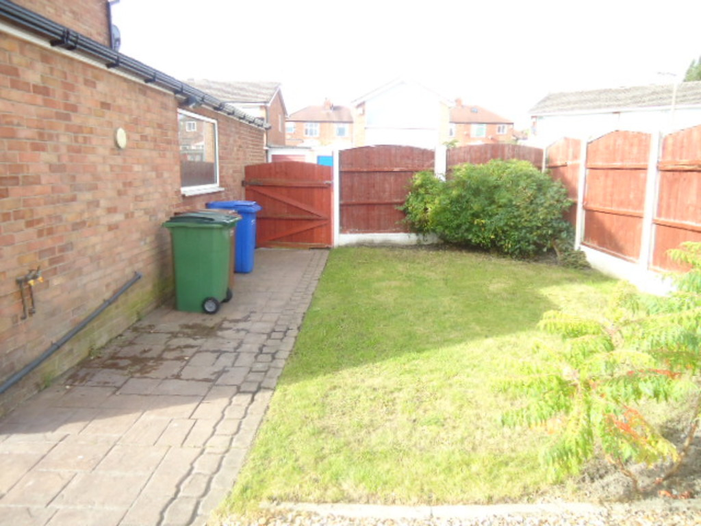 3 Bedroom Semi-detached House To Rent - Image 2