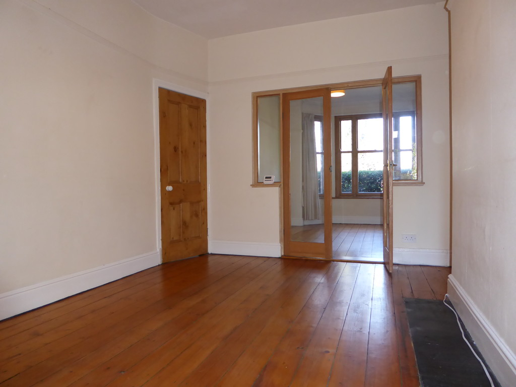 3 Bedroom Mid Terraced House To Rent - Image 4