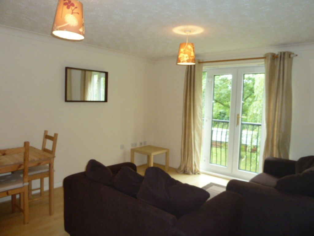 1 Bedroom Flat To Rent - Image 3