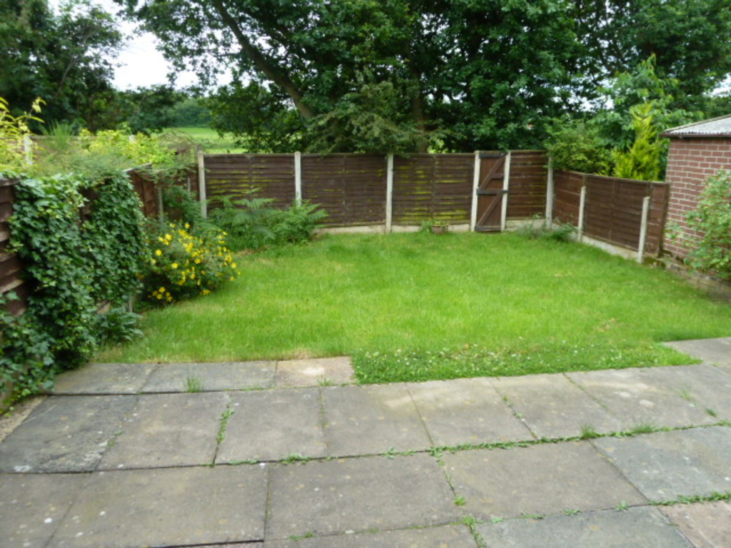 3 Bedroom Detached House To Rent - Image 10