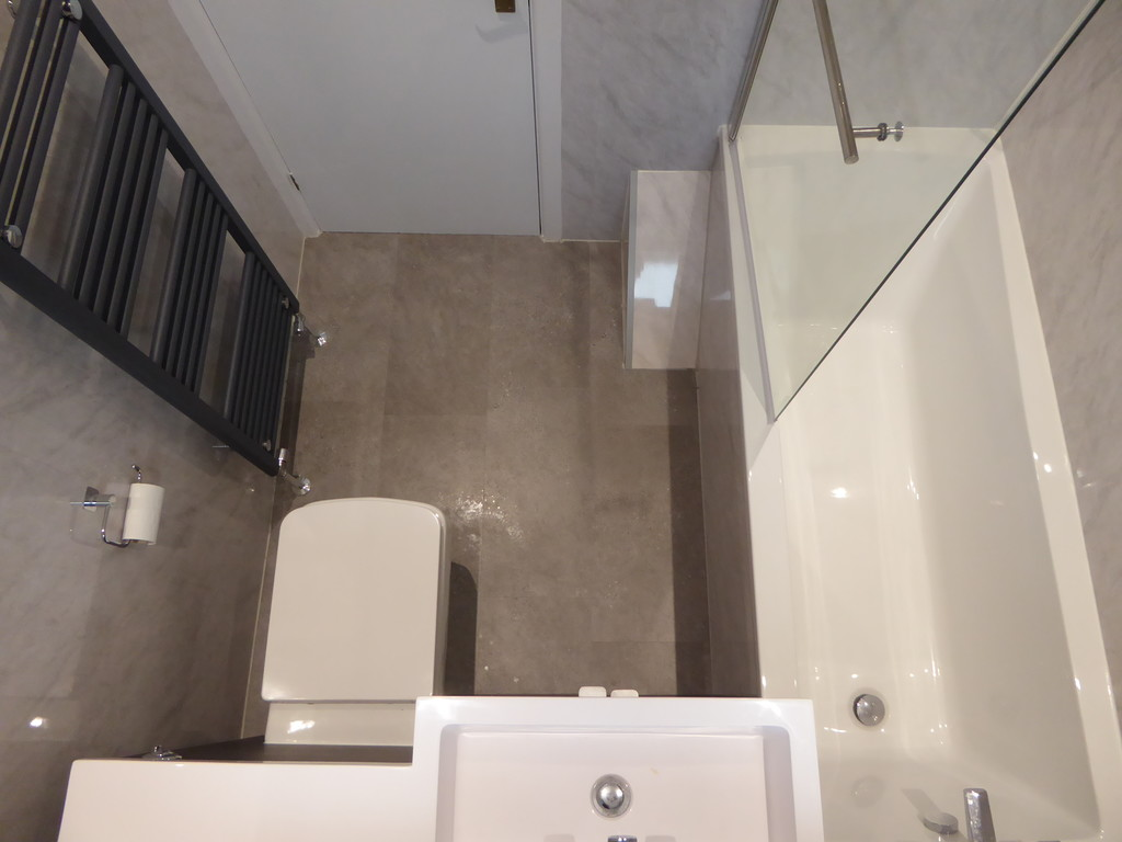 3 Bedroom Detached House To Rent - Image 1