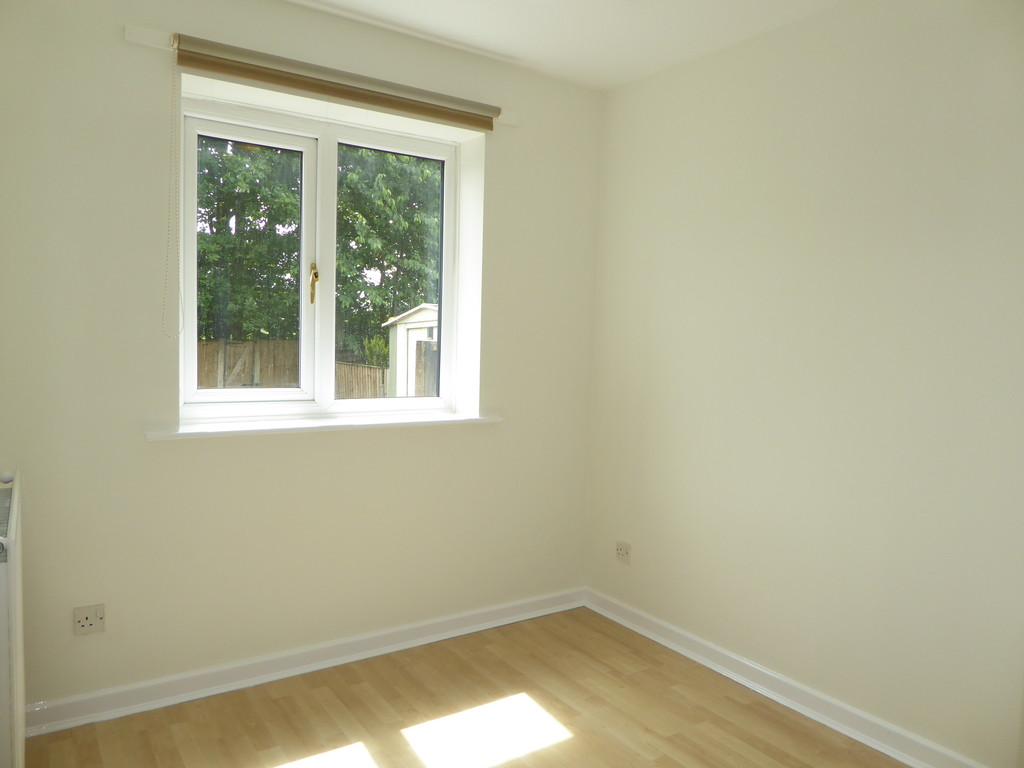 3 Bedroom Detached House To Rent - Image 6