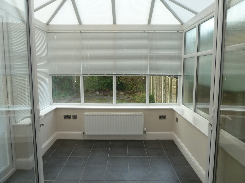 3 Bedroom Semi-detached House To Rent - Image 4