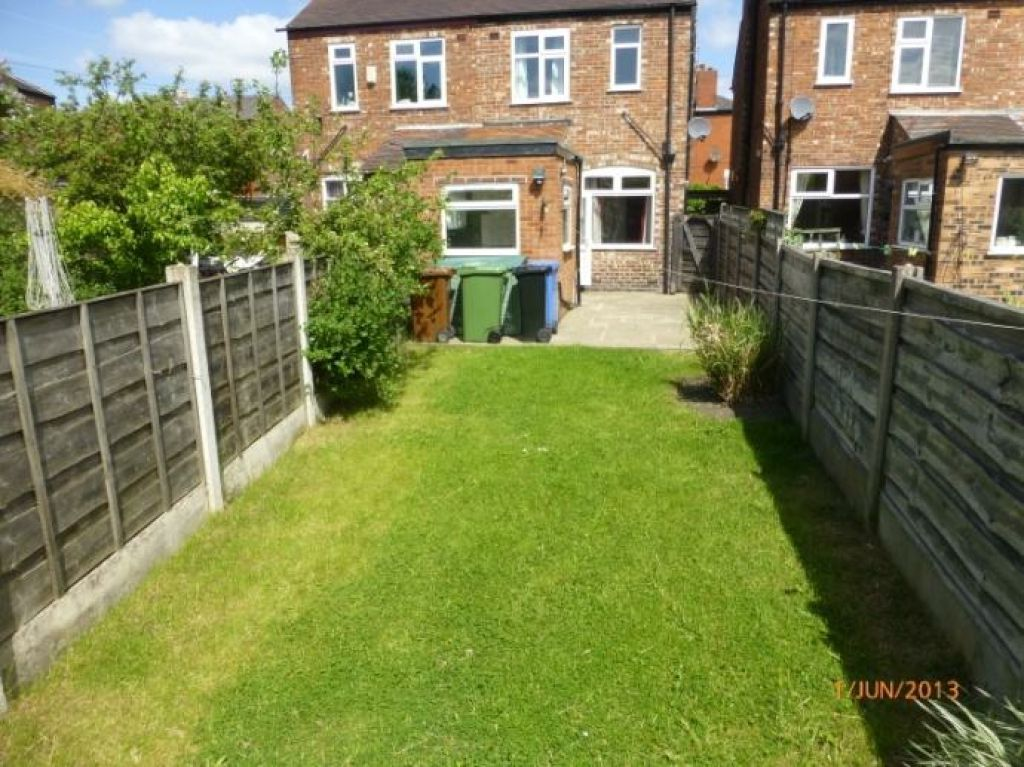 2 Bedroom Semi-detached House To Rent - Image 9