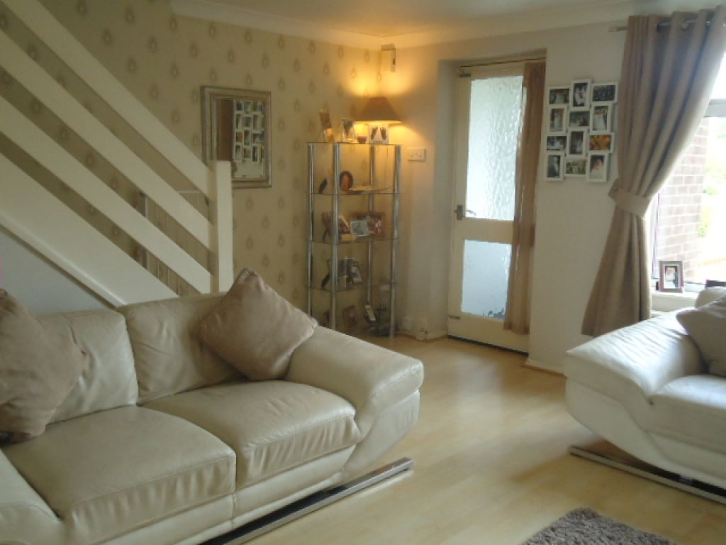 3 Bedroom Mews House To Rent - Image 3
