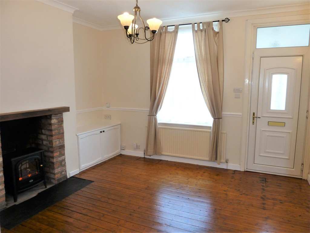 2 Bedroom Cottage House To Rent - Image 2