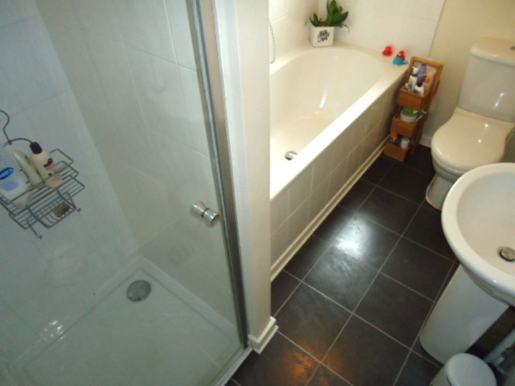 3 Bedroom Cottage House To Rent - Image 13