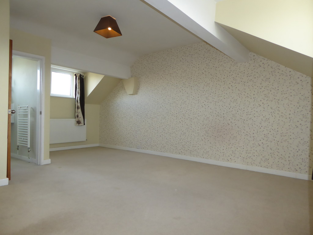 3 Bedroom Cottage House To Rent - Image 8