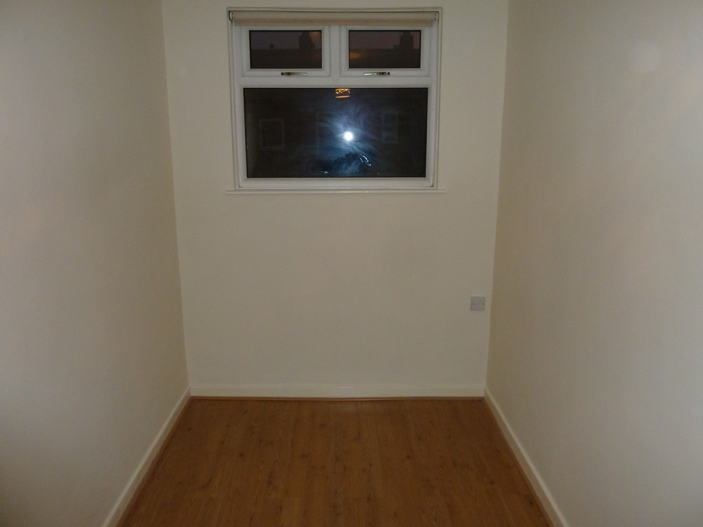 2 Bedroom Detached House To Rent - Image 5