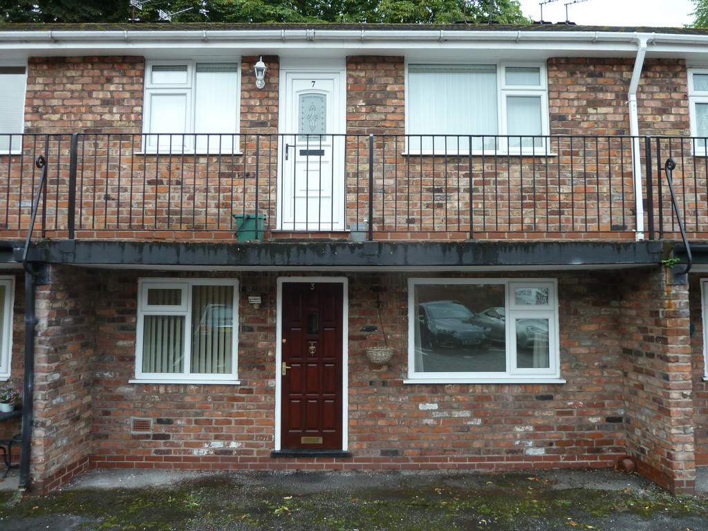 2 Bedroom Apartment Flat To Rent - Image 1