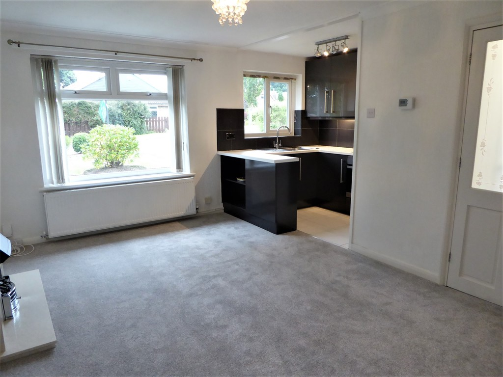 2 Bedroom Semi-detached Bungalow Bungalow To Rent - Image 2