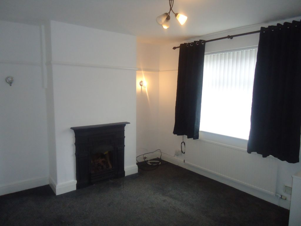 2 Bedroom Semi-detached House To Rent - Image 3