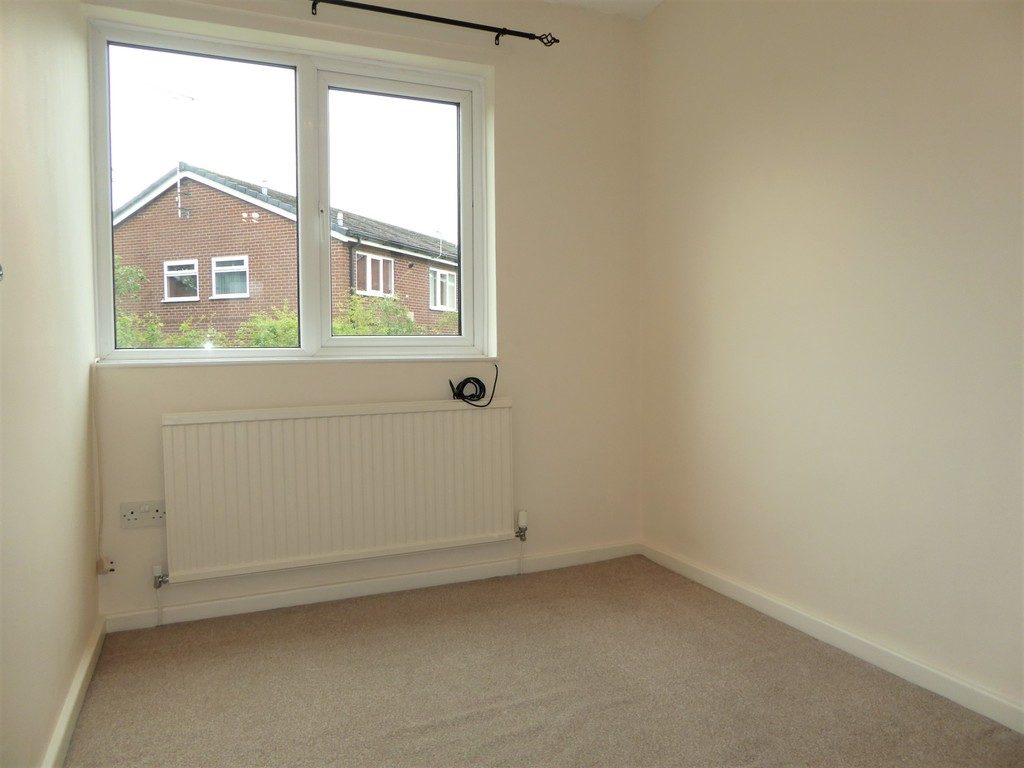 3 Bedroom Mews House To Rent - Image 8
