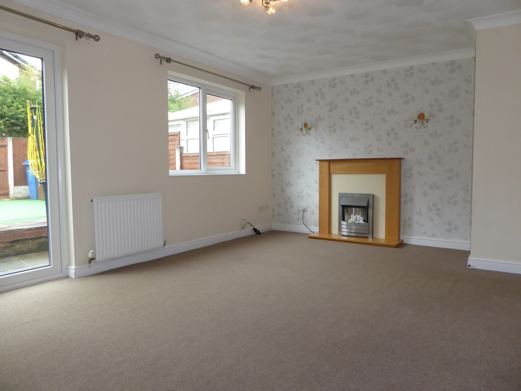 3 Bedroom Mews House To Rent - Image 4