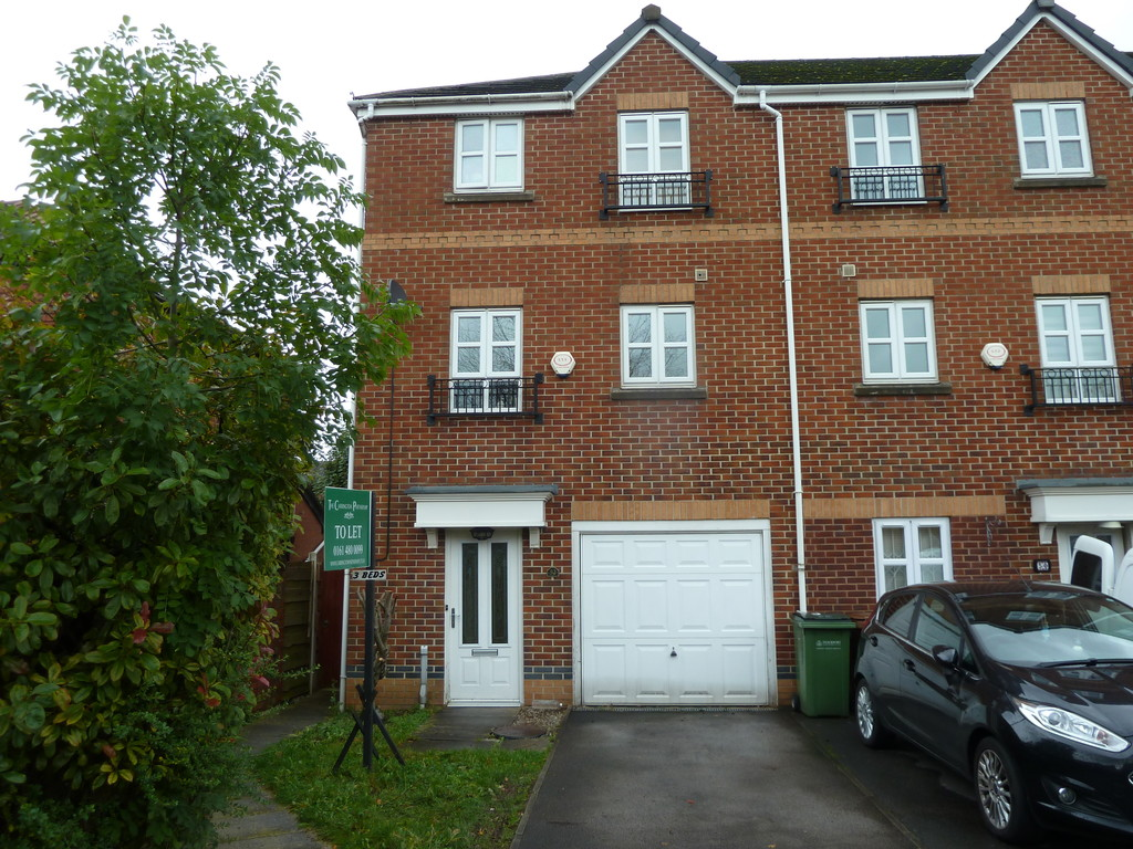 3 Bedroom Town House To Rent - Image 1