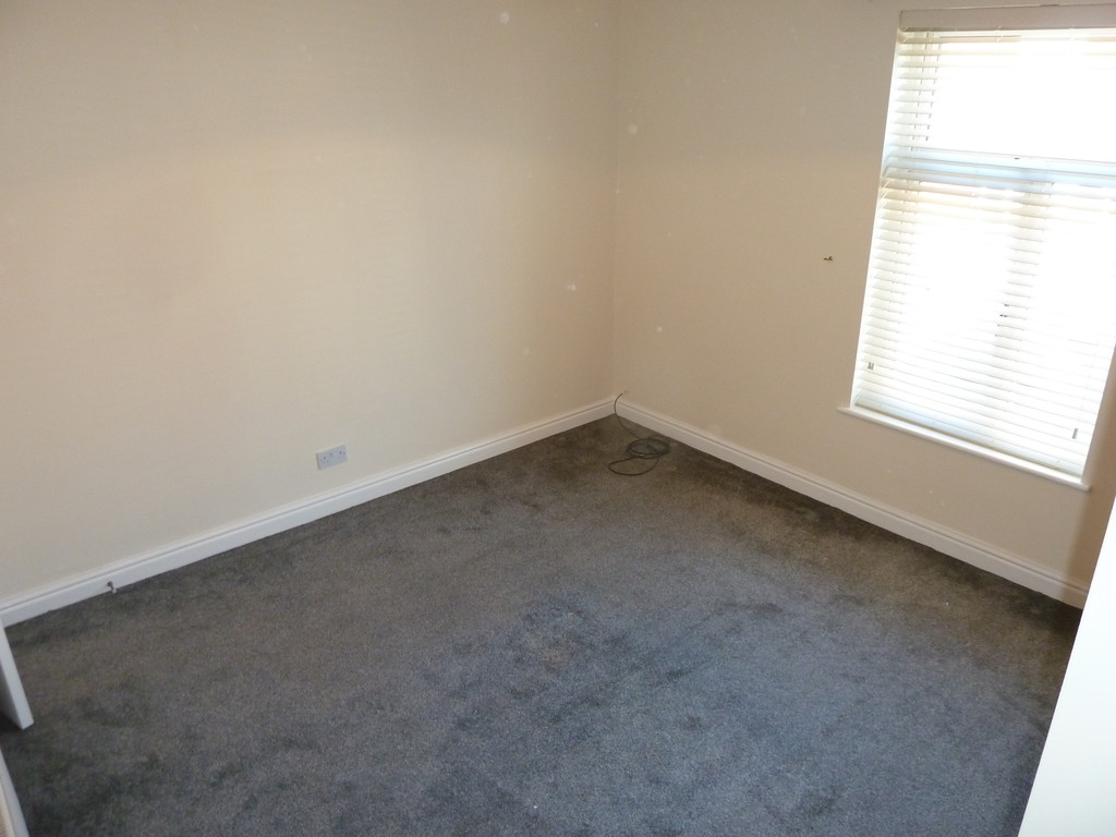2 Bedroom Mid Terraced House To Rent - Image 6