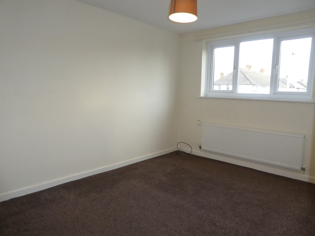 3 Bedroom Detached House To Rent - Image 7