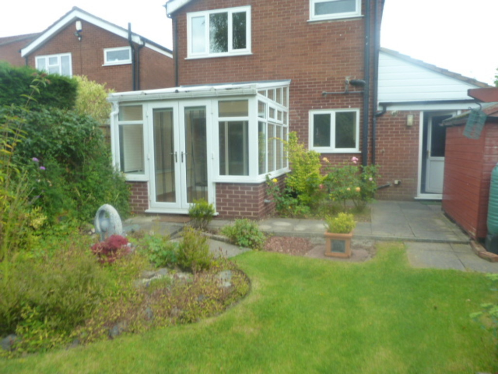 3 Bedroom Detached House To Rent - Image 11