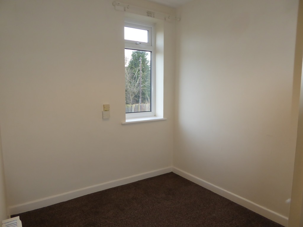 3 Bedroom Detached House To Rent - Image 9