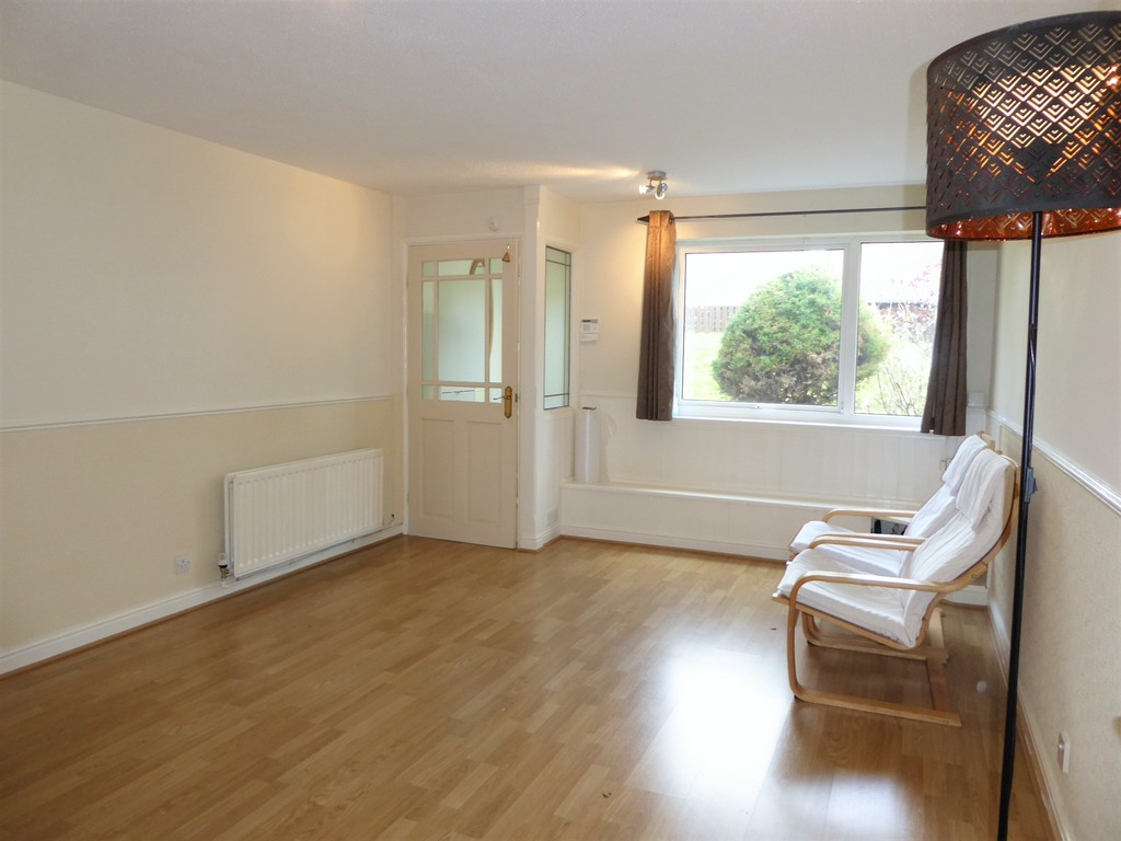 2 Bedroom Mews House To Rent - Image 5