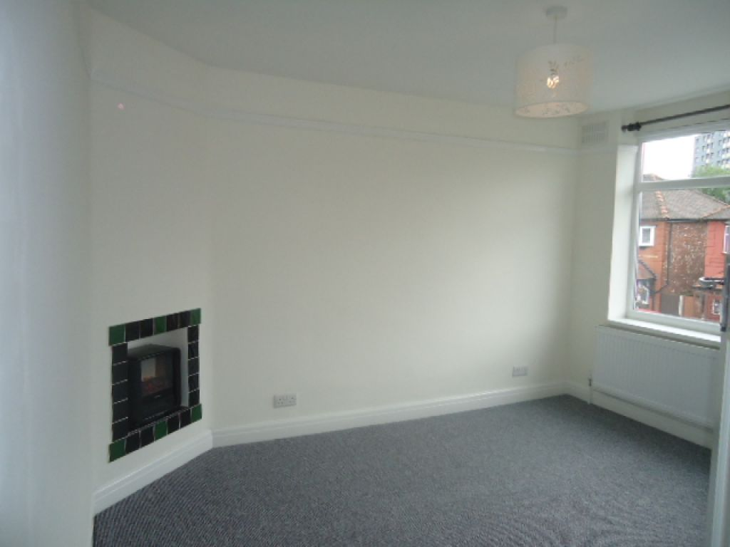 3 Bedroom Detached House To Rent - Image 5