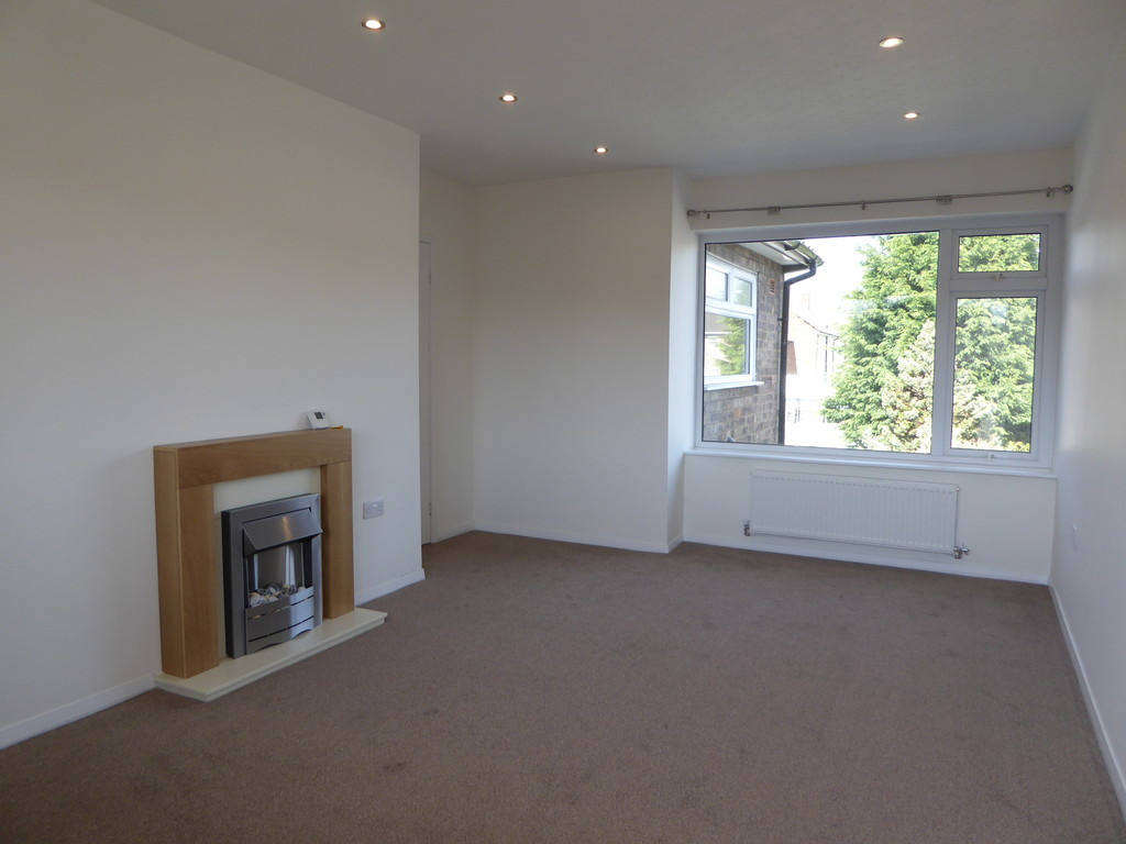 2 Bedroom Flat To Rent - Image 2