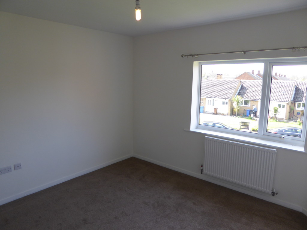 2 Bedroom Flat To Rent - Image 5