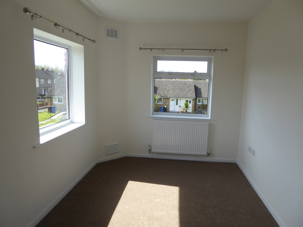2 Bedroom Flat To Rent - Image 7