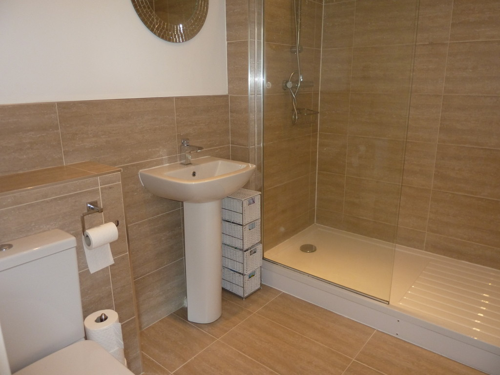 2 Bedroom Apartment Flat To Rent - Image 12