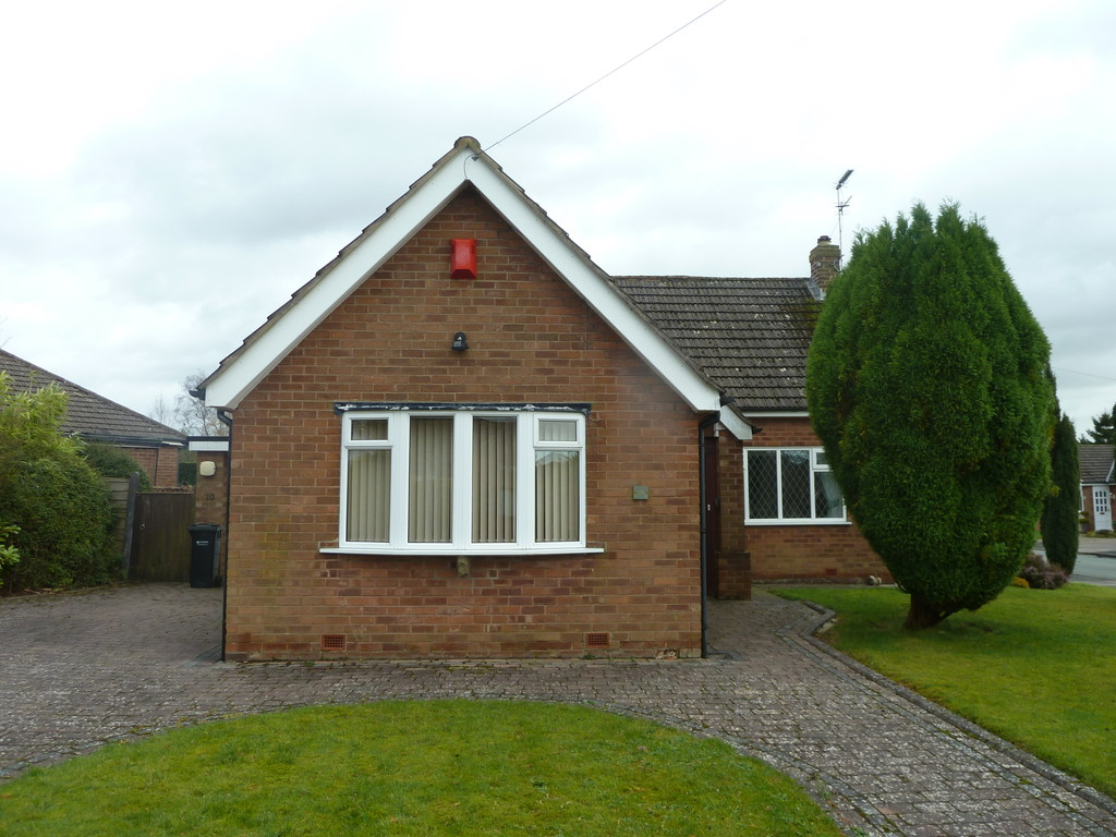 3 Bedroom Detached Bungalow Bungalow To Rent - Image 1