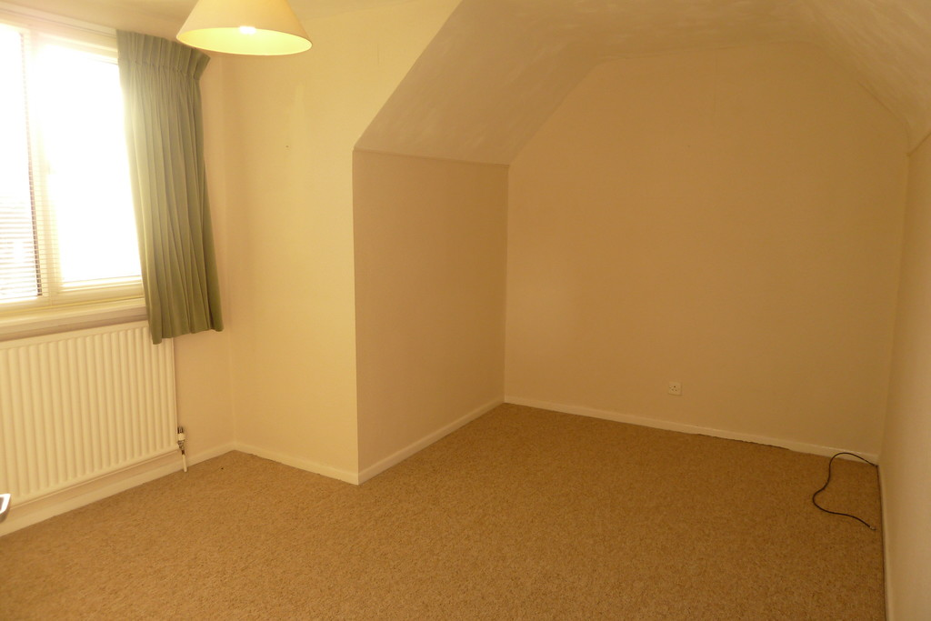 3 Bedroom Detached Bungalow Bungalow To Rent - Image 10