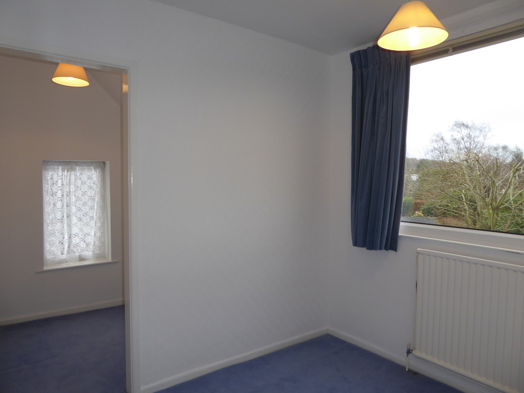 3 Bedroom Detached Bungalow Bungalow To Rent - Image 12