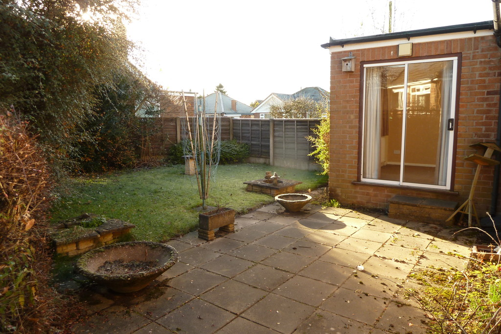 3 Bedroom Detached Bungalow Bungalow To Rent - Image 9