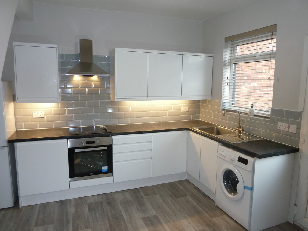 2 Bedroom Mid Terraced House To Rent - Image 1