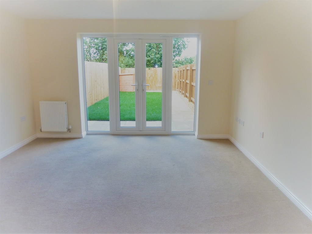 4 Bedroom Mews House To Rent - Image 4
