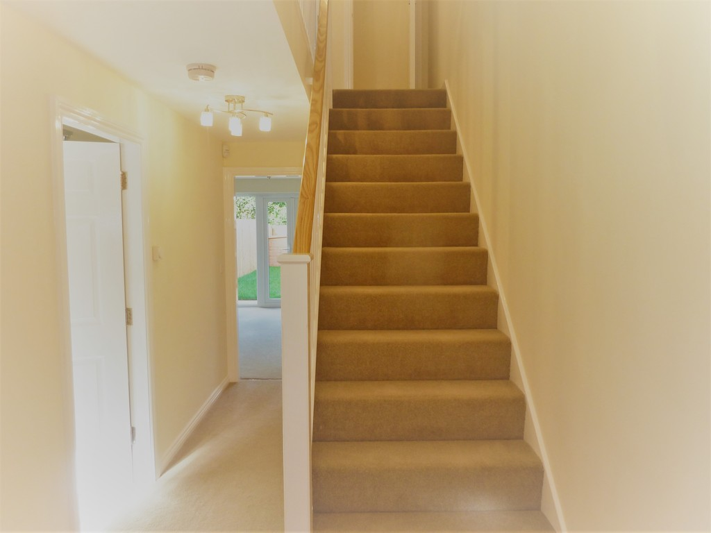 4 Bedroom Mews House To Rent - Image 5