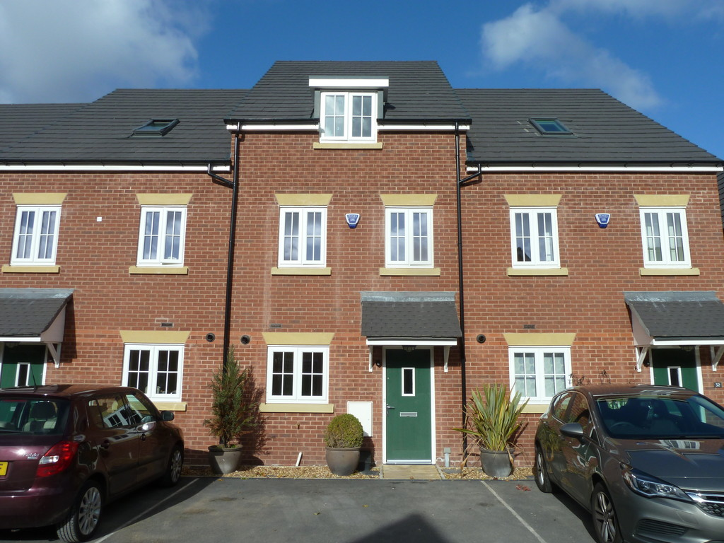 4 Bedroom Mews House To Rent - Image 1