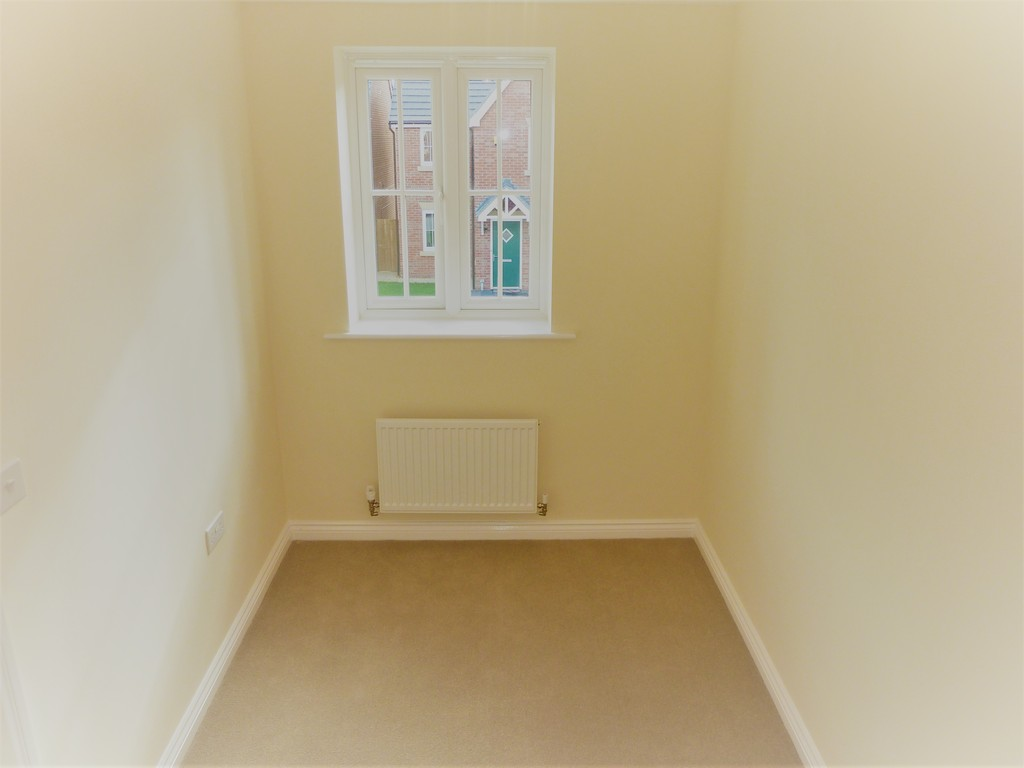 4 Bedroom Mews House To Rent - Image 8