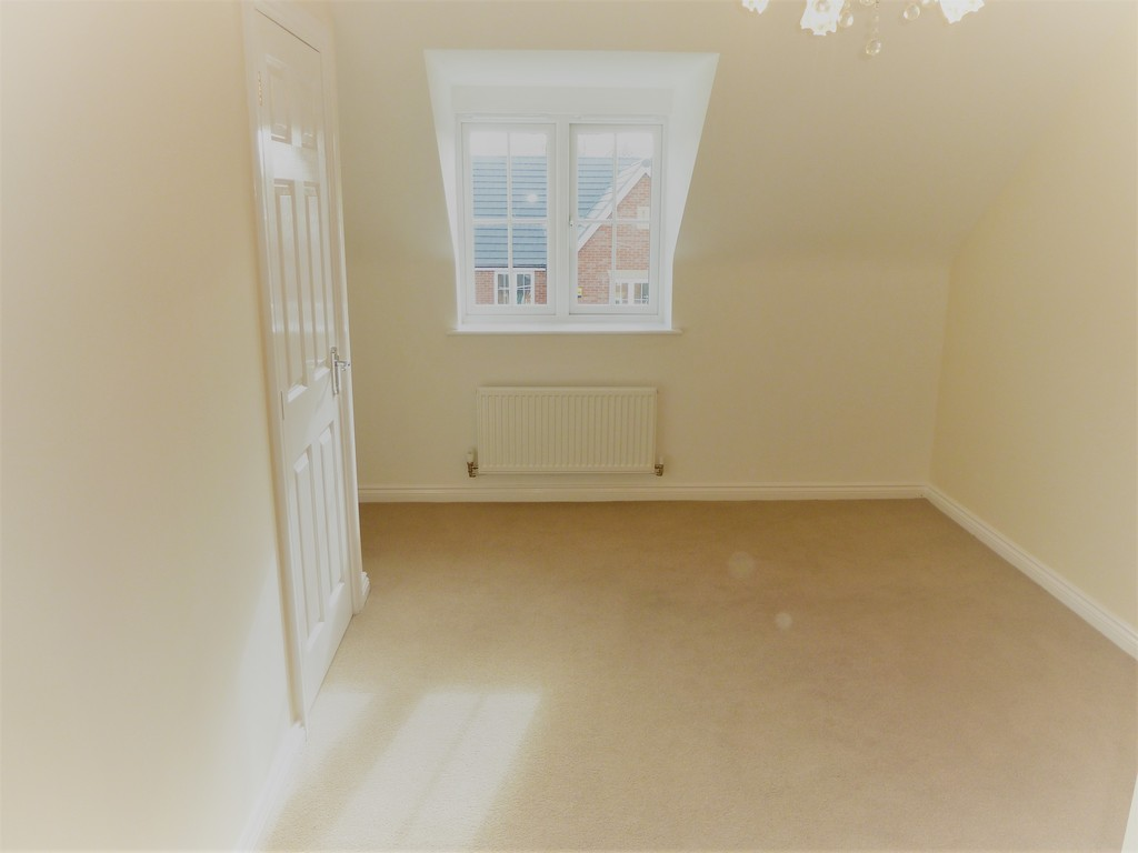 4 Bedroom Mews House To Rent - Image 9