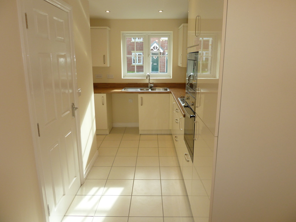 4 Bedroom Mews House To Rent - Image 3