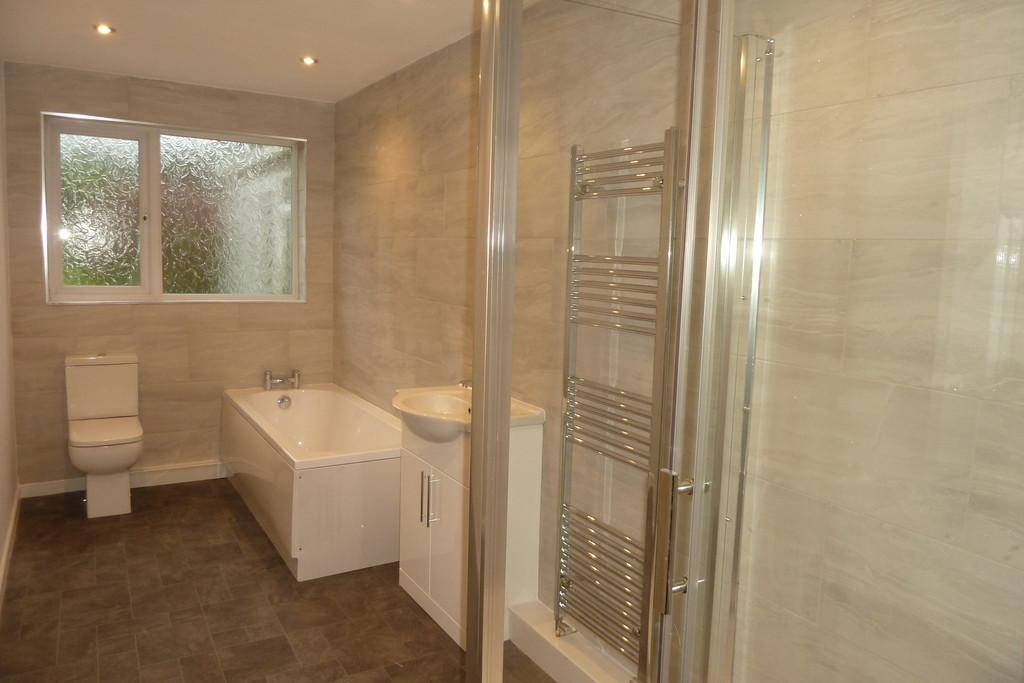 2 Bedroom Semi-detached Bungalow Bungalow To Rent - Image 5